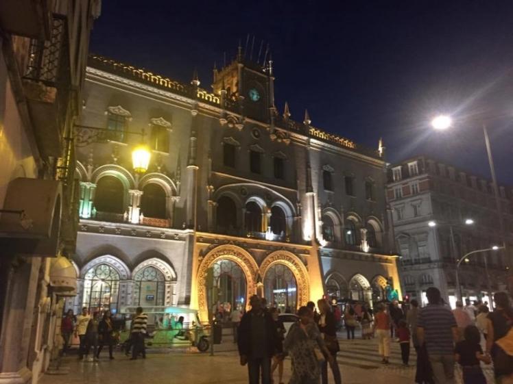 No centro de Lisboa. Prédio da estação de trem