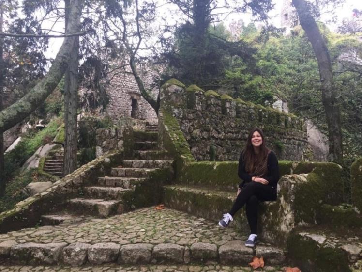 Começando a subir no Castelo dos Mouros